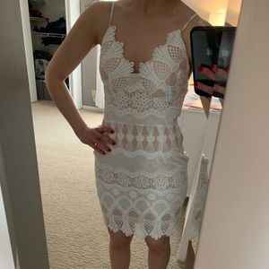 Dresses & Skirts - White lace dress from boutique